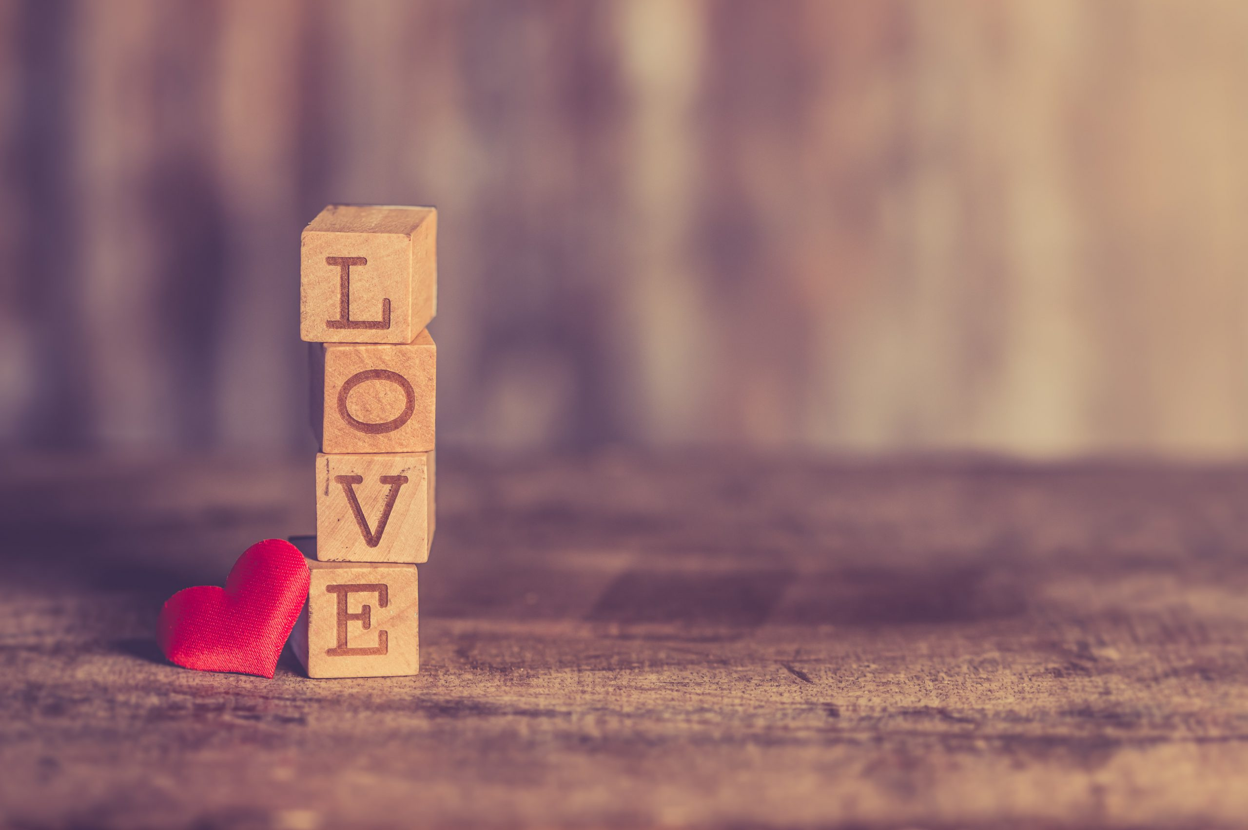 stack-of-love-wooden-blocks-810036